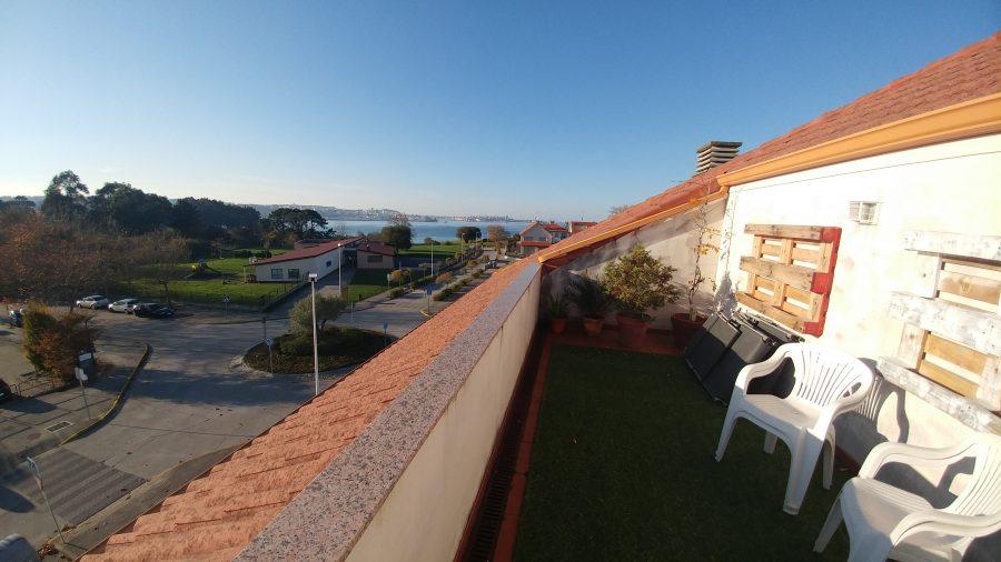 Impresionantes dúplex con terraza y vistas en Bastiagueiro